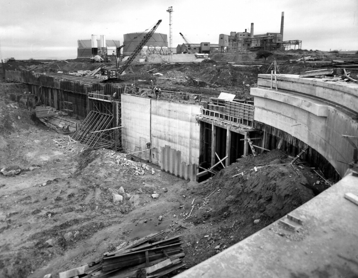 D055Dock wall and trench excavation east side 27/11/1962