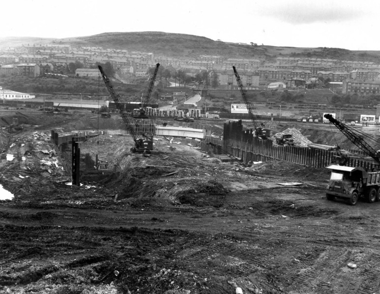 D029	General view of dock excavation and arch wall works   27/6/1962