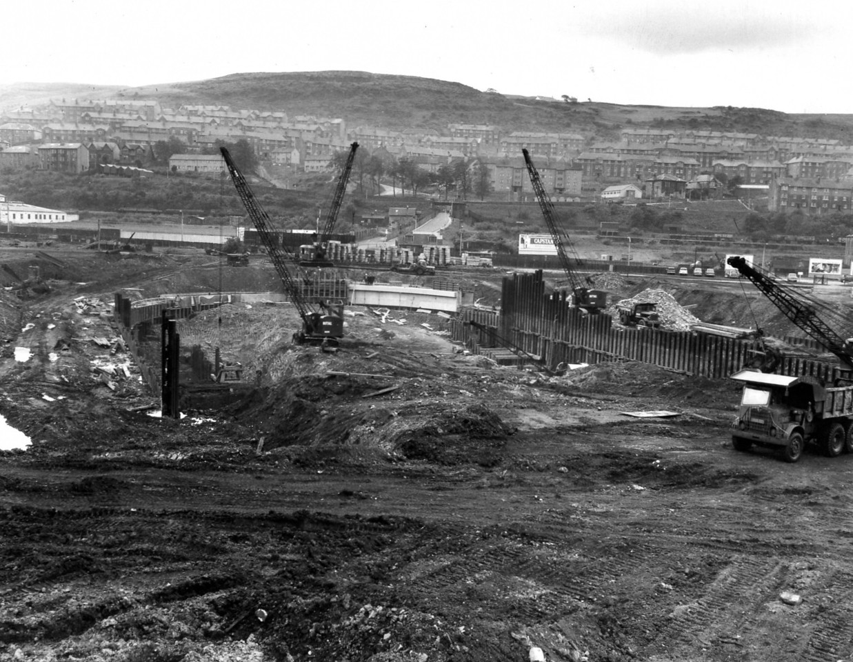 D029General view of dock excavation and arch wall works   27/6/1962