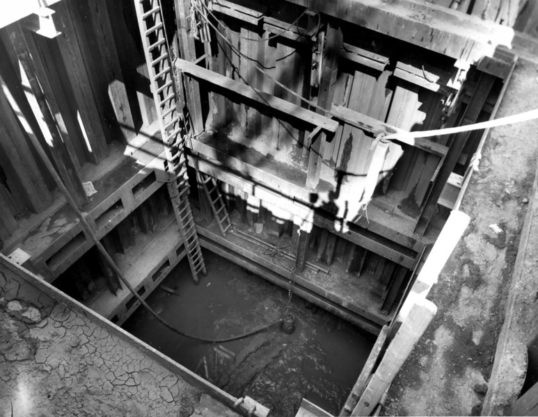 D092	Lif shaft excavation at -33 level    30/5/1963