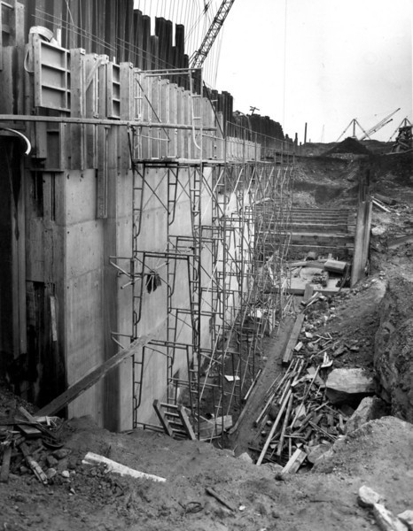 D044	Dock wall and trench excavation - west side  25/9/1962