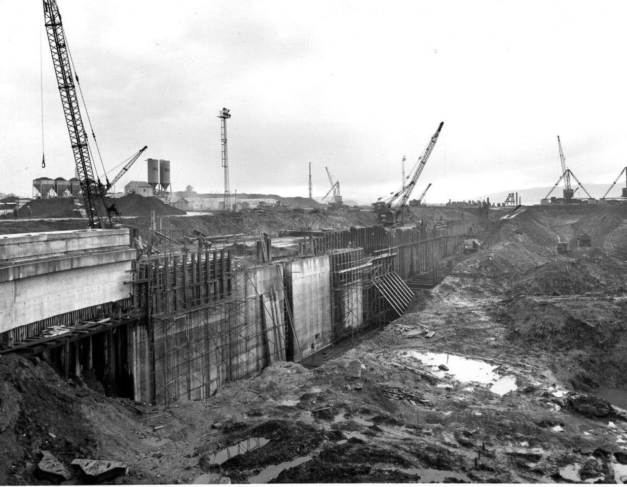 D060Dock wall and trench excavation on west side   21/12/1962