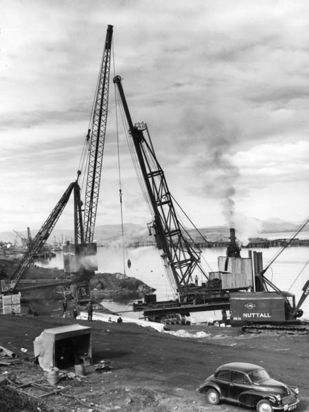 Q006The Menck Frame driving  pile No C.353 (on a forward rake)  21/3/1962