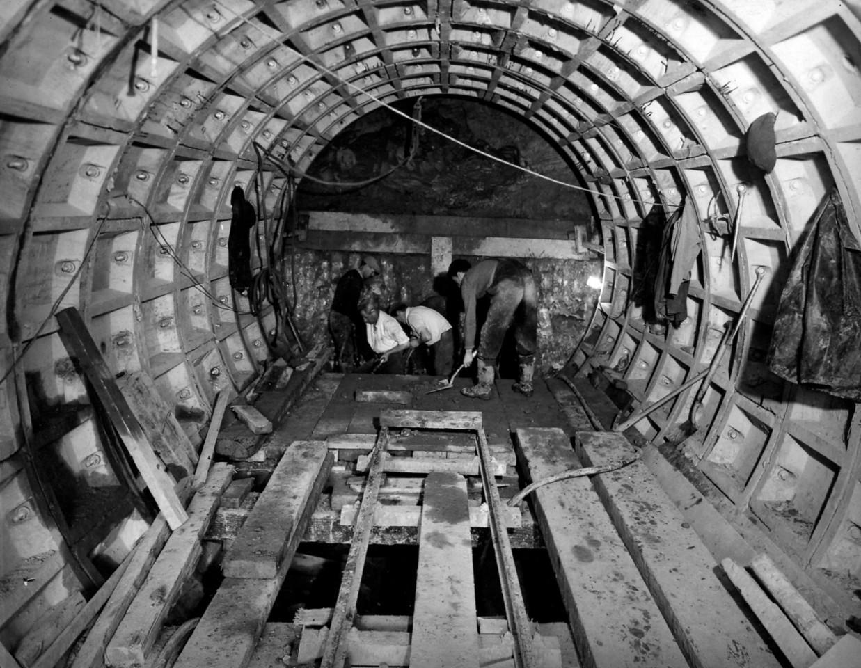 D108Tunnel lift shaft  1/10/1963