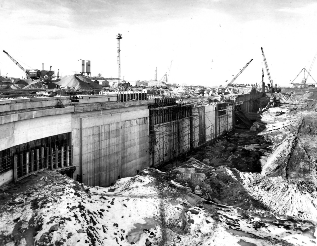 D072Dock wall and subway - west side  27/2/1963