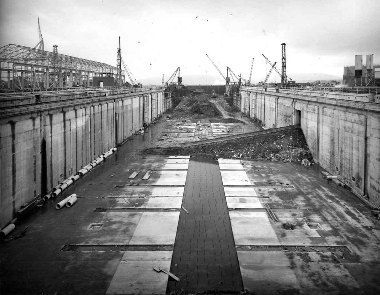 D105	General view along centreline of dock - 1/10/1963