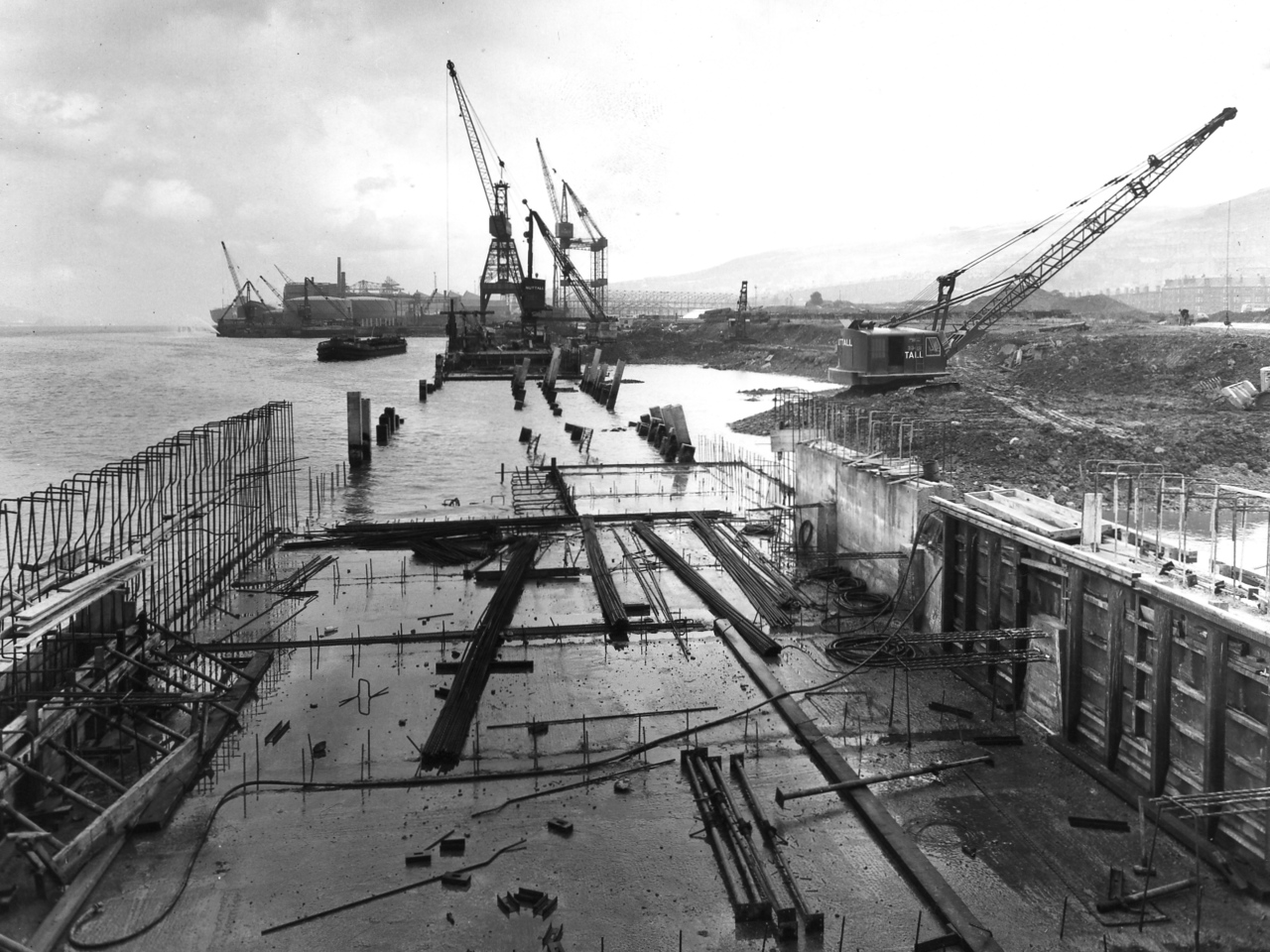 Q028	General view of west end of Repair Quay  1/10/1963