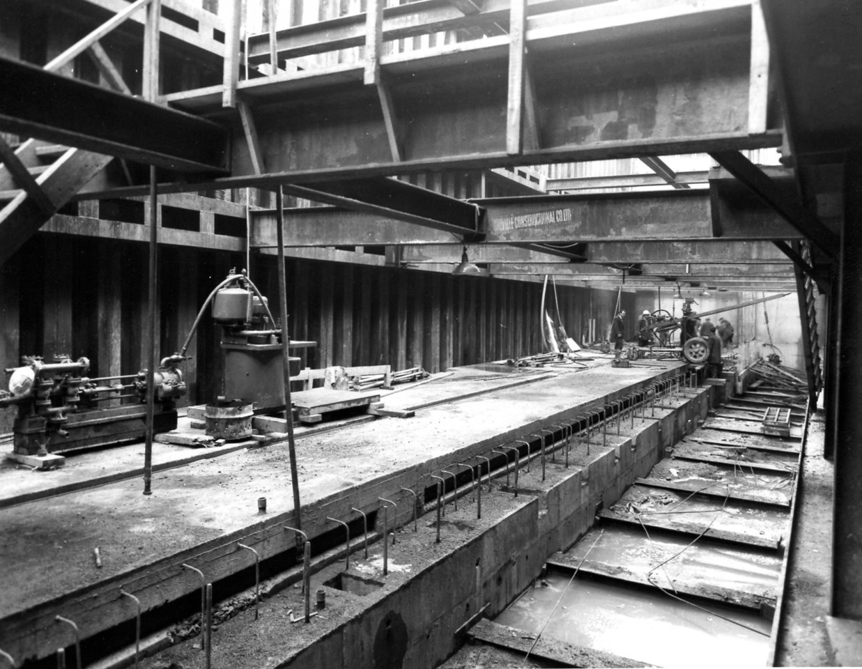 D075Entrance works - Final concrete to top of cill being placed at west end    27/2/1963