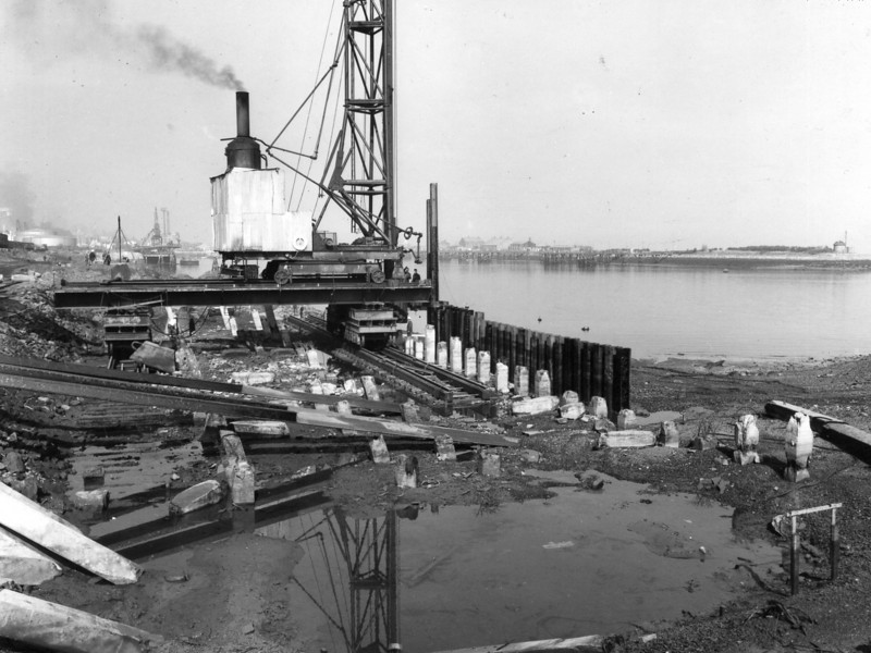 Q007	.General view of piling at Repair Quay  Apr 1962