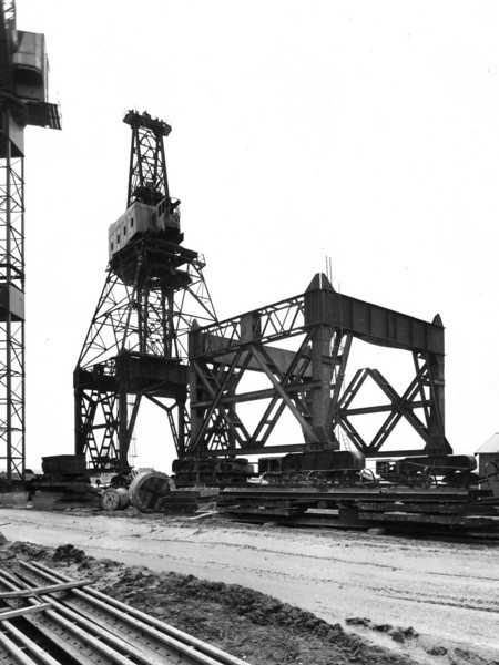 Q027	Butters Contract - 15 ton crane complete to jib level. Work started on 60 ton crane   Sept 1963