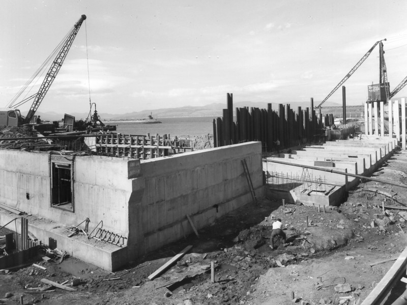 Q021View of east end repair quay and barge berth  30/3/1963