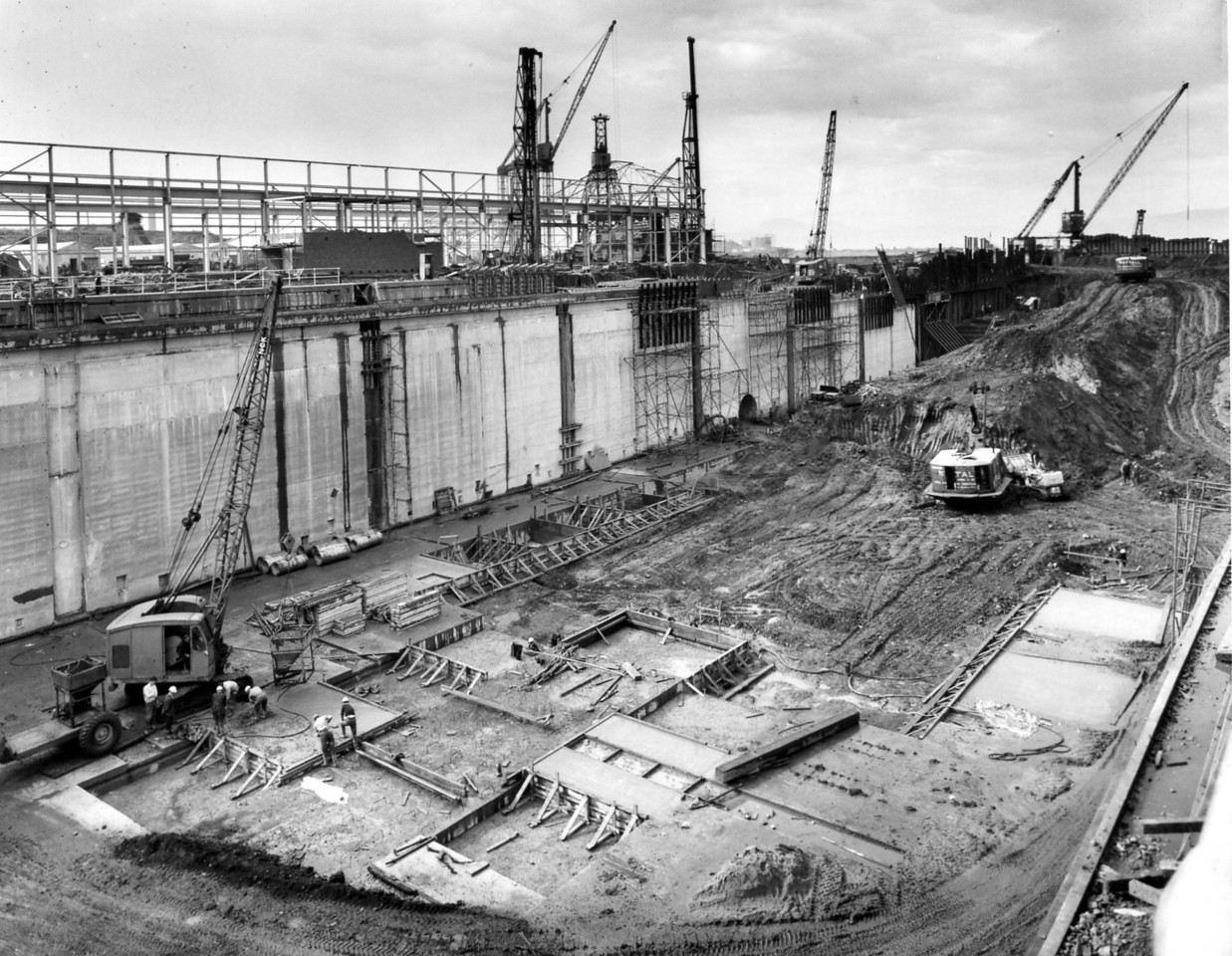 D098	General view of west wall works - taken 2nd and 4th September 1963