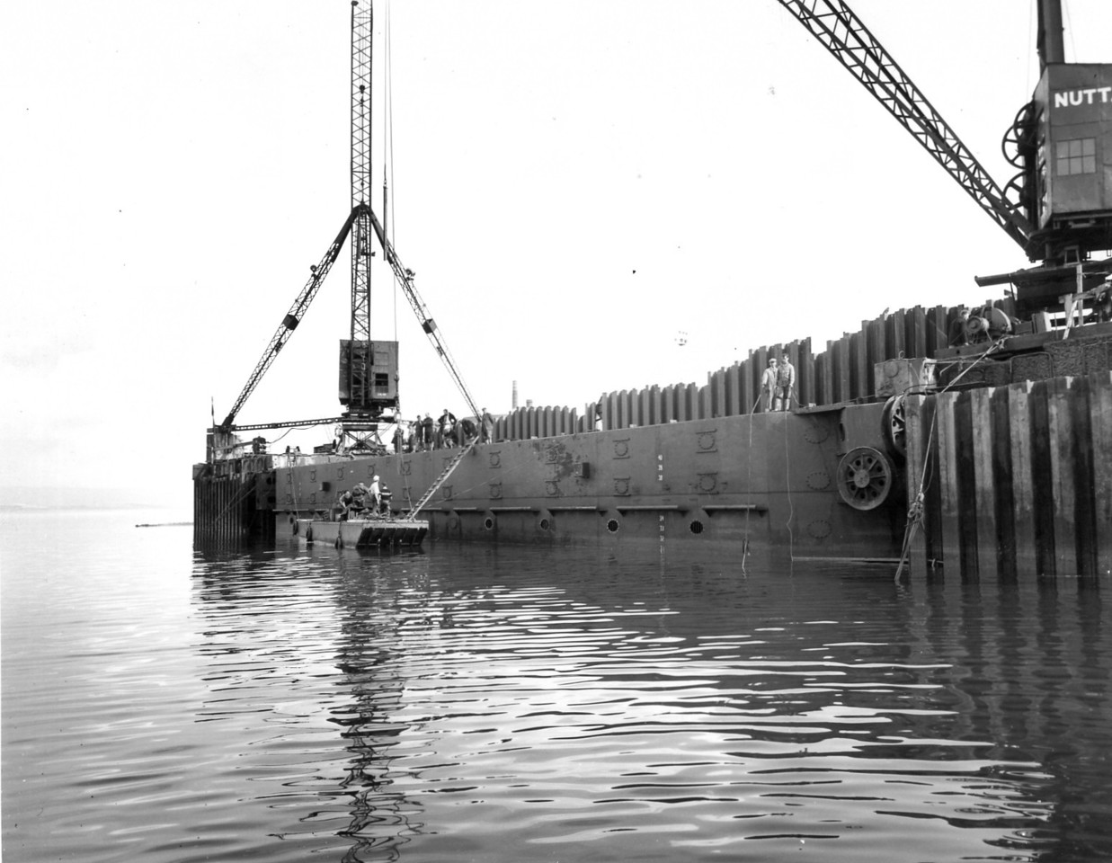 D104Dock Gate - view from river   Sept 1963