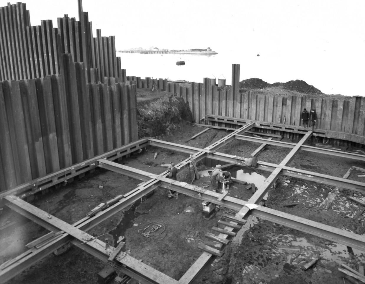 D013Steelwork bracing east roundhead 21/3/1962