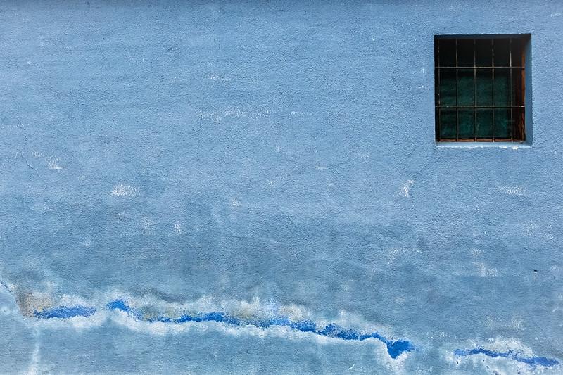 Blue Wall, Antigua