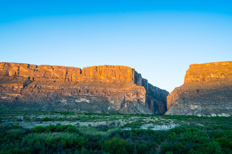 Arid landscape of Big Bend National Park