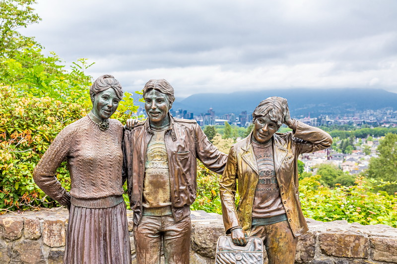 bronze statues in Queen Elizabeth Park