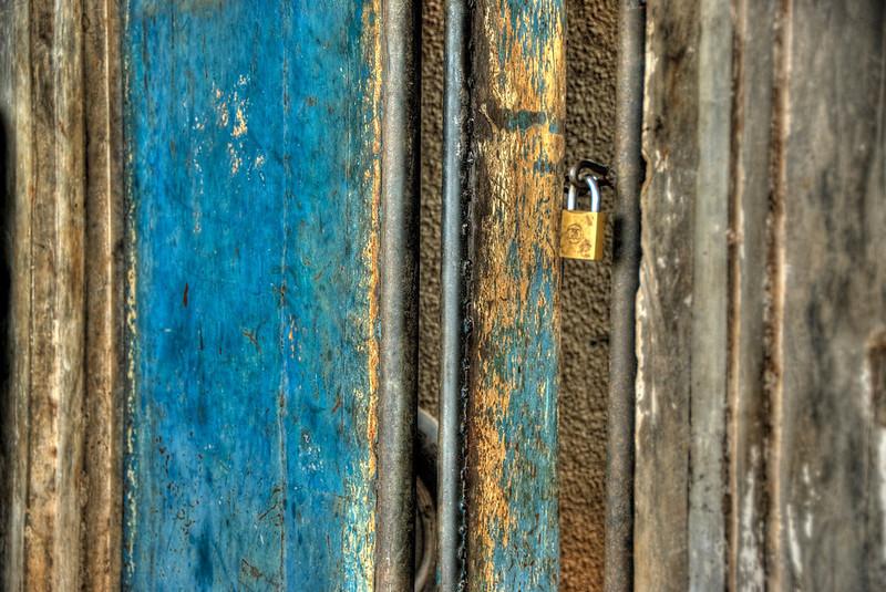HDR: Door, Uganda.
