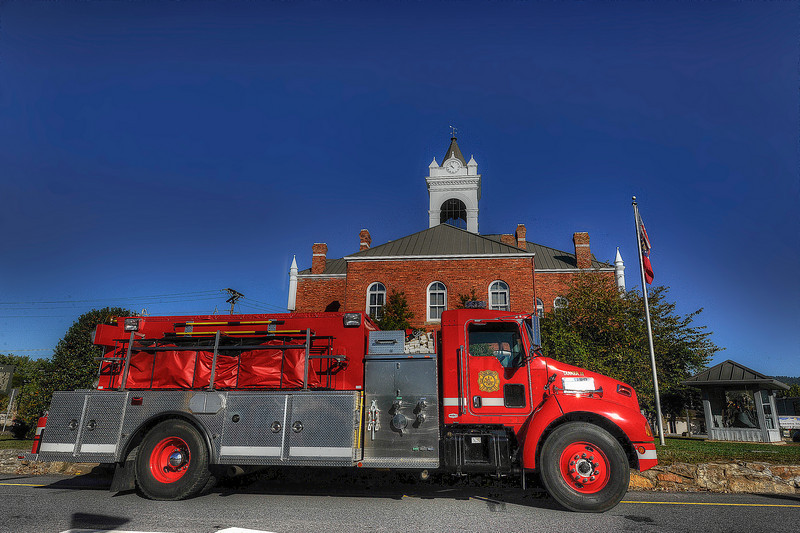 HDR: The Blairsville, Georgia City Hall.