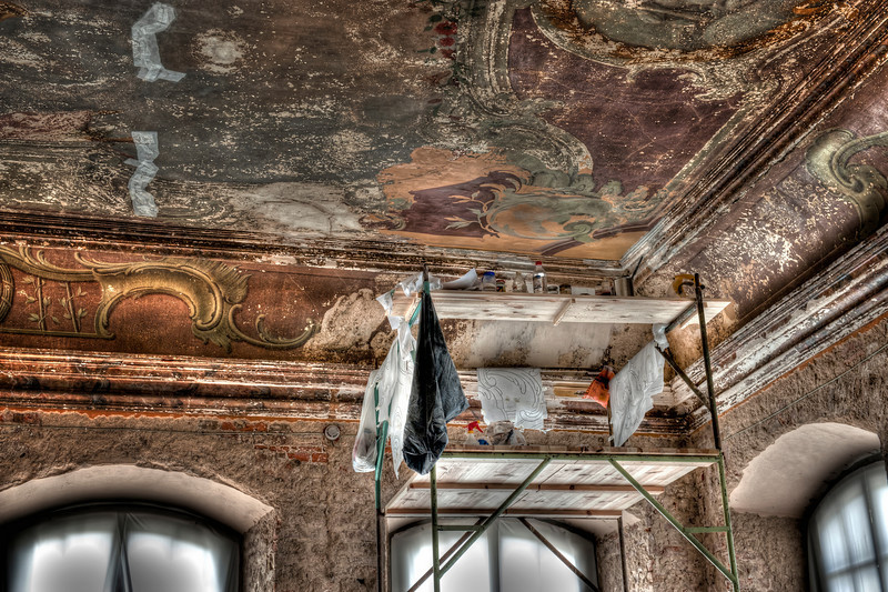HDR: Renovation at the Rundale Palace, Latvia.