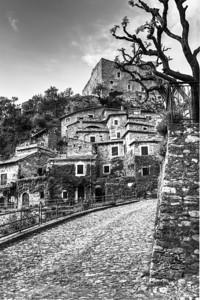 3 exposure HDR of Castelvecchio di Rocca Barbena, Liguria, Italia