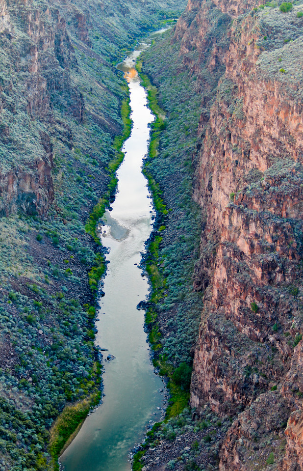 The Rio Grande gorge, about 10 minutes by car from Taos, New Mexico<br /> <br /> Hit your f11 key, view on X-Large :D