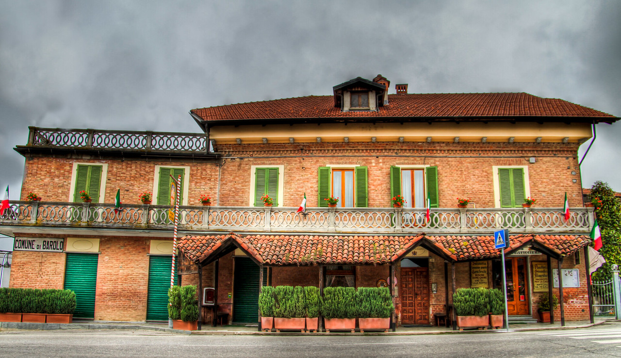 Very strange angles here, and the wide angle (17mm) didn't really help things - it looks like it's caving in on itself. Several different businesses here under one roof, a small market, a tasting room and del Buon Padre restaurant. 3 handheld exposures taken a few hours before the rain arrived. Vergne/Barolo, Cn, Piemonte, Italia