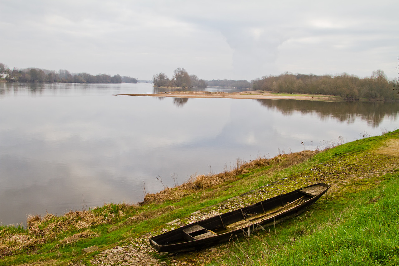 a boat along the side of the Loire river, late February, 2011