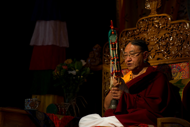 HH Sakya Trizin with the long life arrow or tse-dar