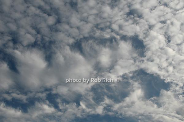 Easthampton sky<br />  photo by Rob Rich © 2009 robwayne1@aol.com 516-676-3939