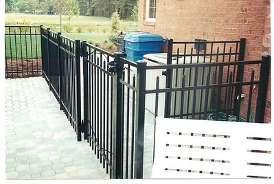 DOUBLE ACTING GATE FOR DOGS
