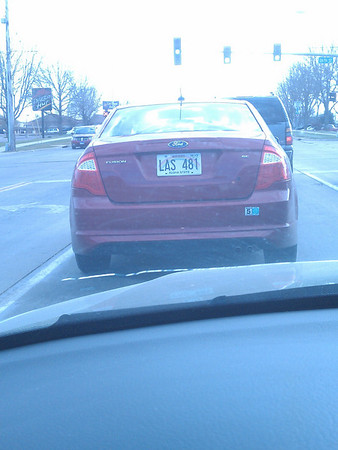 Hawaii License Plate in Sioux Falls, SD. In October no less.