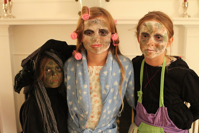 The Duggan girls trying to be scary...