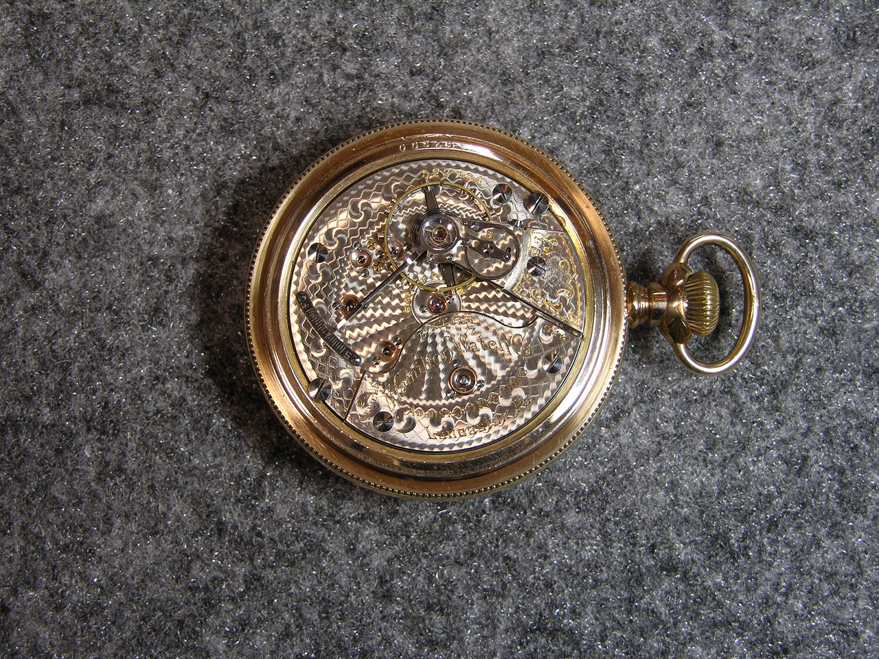 946 movement, SN 523704                        23 jewels, produced 1904-1921                 total production 10,692