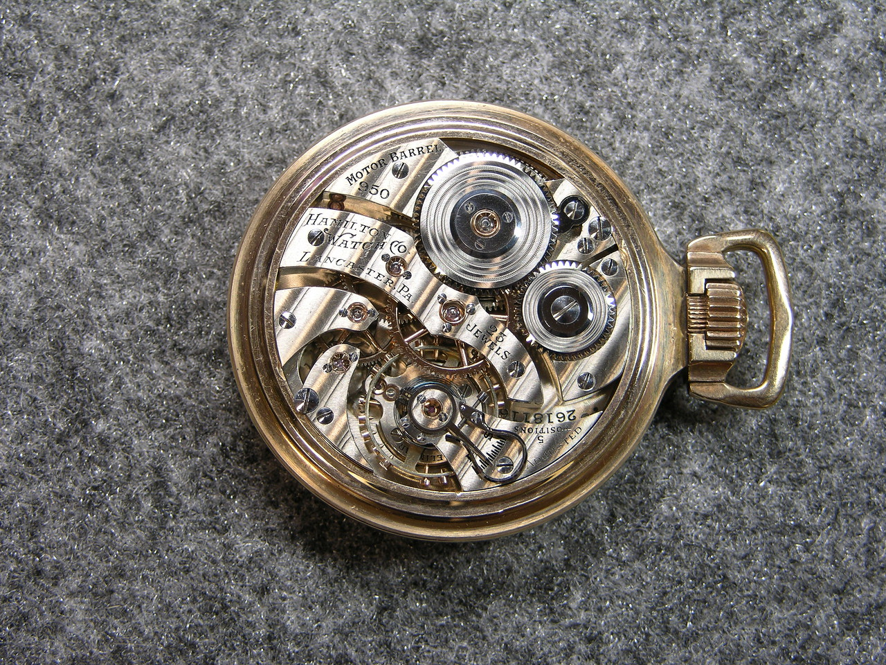 950 Elinivar Movement, SN 2618116          23 jewels, manufactured 1937-1941          total production 7,001