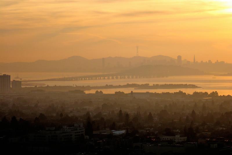 San Francisco sunset (Calif Jan 2008) Canon SD950 28.5mm f/5.8 1/320 ISO 80