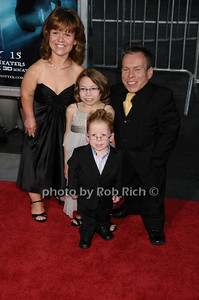 family, Warwick Davis photo by Rob Rich © 2009 robwayne1@aol.com 516-676-3939