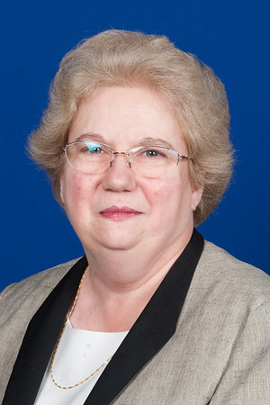 Portrait image of Linda Sperry