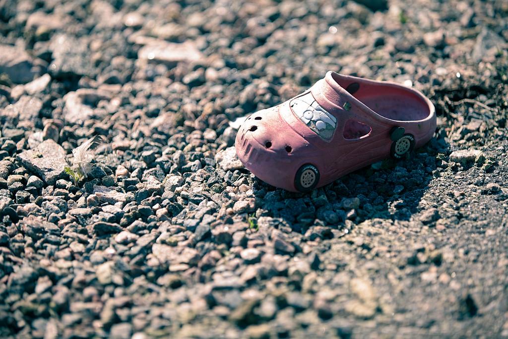 Racing shoe