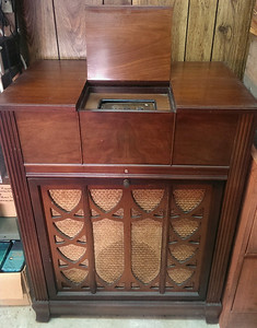 Philco Shortwave Radio and Turntable