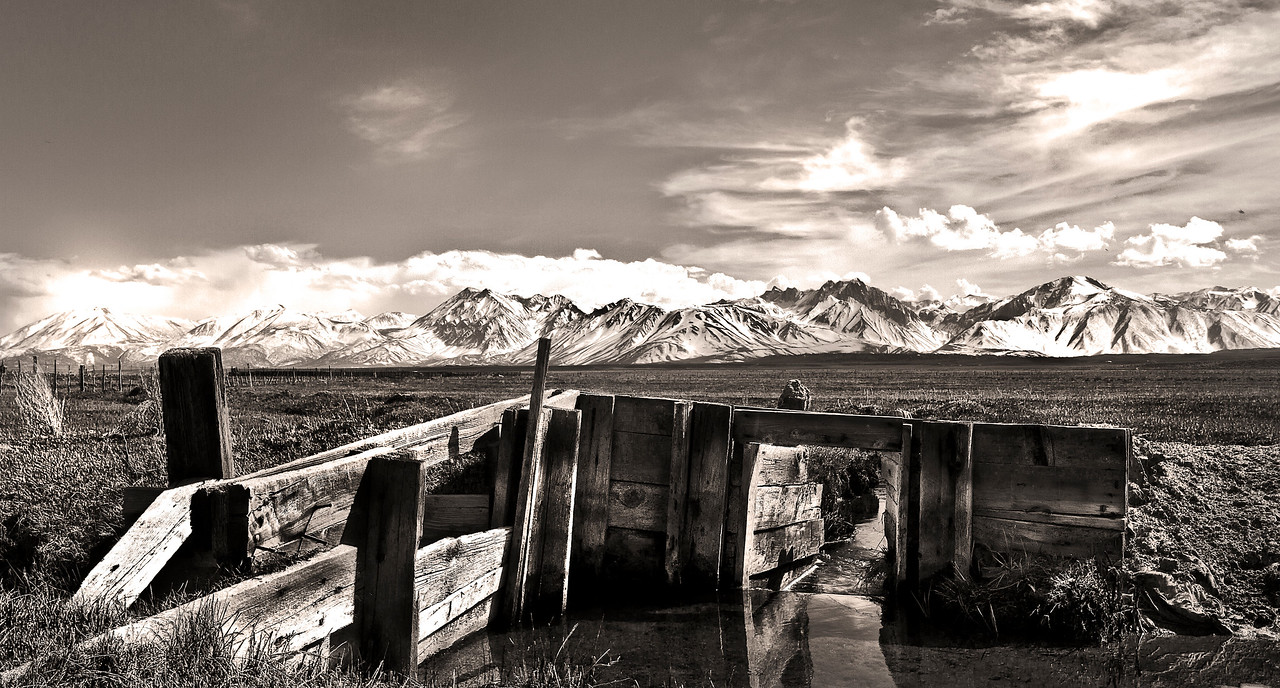 Irrigation control gate along the Owens River. Eastern Sierra Nevada, California