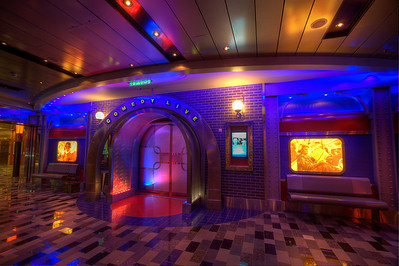 Allure of the Seas, Comedy Club