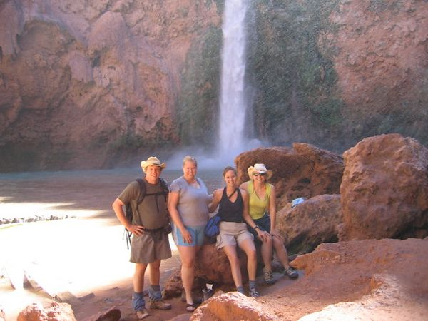 The group that descended Mooney Falls (Pam passed)
