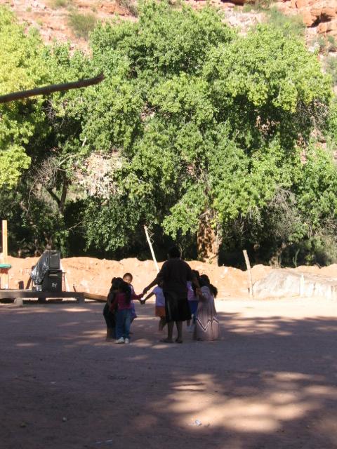 Dancing girls on Navajo day