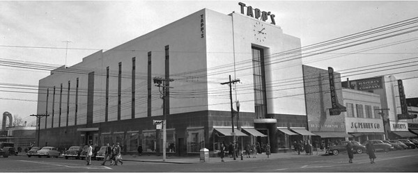 Tapp's Department Store. Courtesy of the John Hensel Photograph Collection and the University of South Carolina.