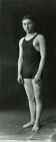 Schulman participating in intramural swimming, 1924; X8487