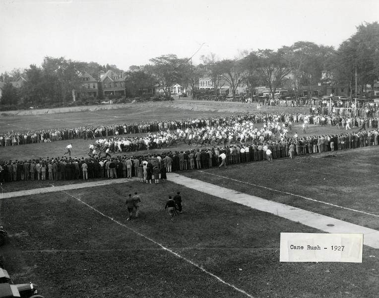 Tug of War event at Cane Rush, 1927