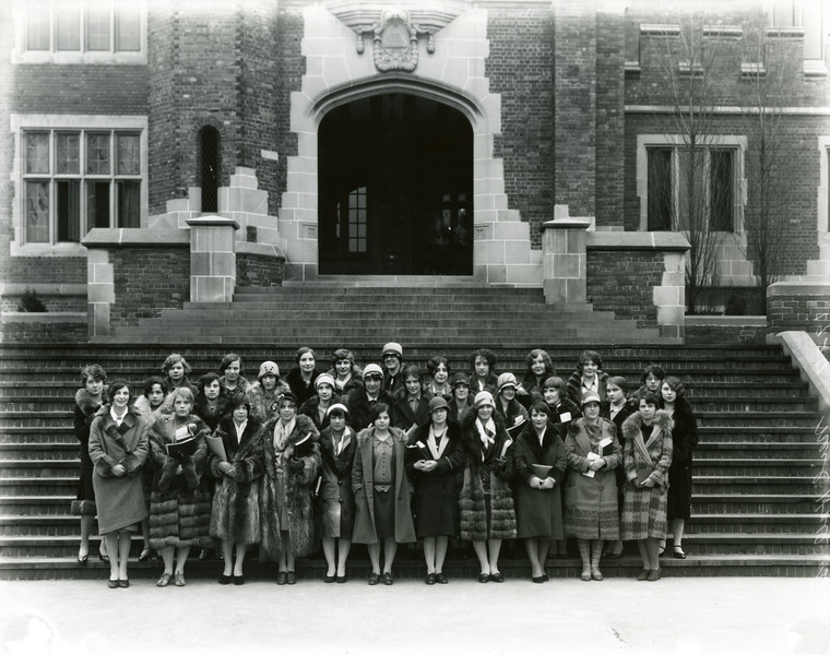 1927, Women standing in front of Pomerene Hall