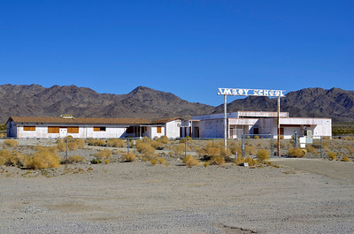 Amboy School, Amboy, California, believe it not, this school operated until 1999 when it closed it's doors forever.