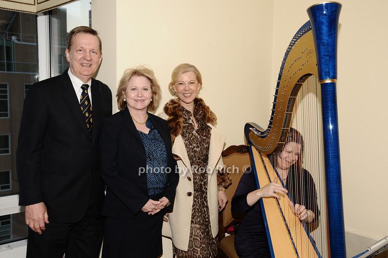 Dennis Stilwell, Marcia Wilson, Linda Stilwell<br /> photo by Rob Rich © 2010 robwayne1@aol.com 516-676-3939